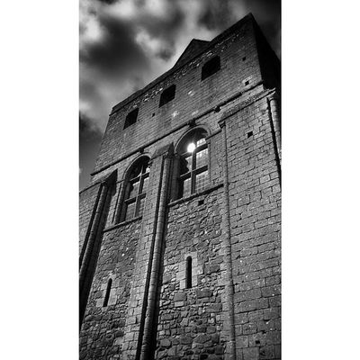Norman Skyporn Bnw_zone Mediaeval suicidalclouds cloudporn buildingstylesgf building_shotz exploring_shotz castle castlerising bnw_of_our_world archilovers arts architecture architectureporn architexture archidaily bnw_universe lookup norfolk blacandwhite monastic BlackAndWhitePhotography history heritage scenic blacknwhite_perfection cloud_skye sky_vibrance