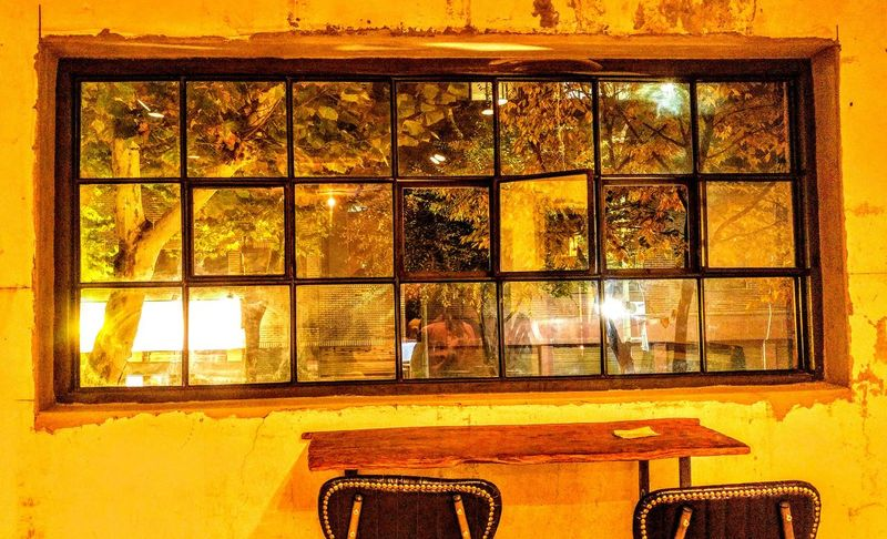 Big Window Sensitive Sensitivity Sensitive Photo Sensibility Cafe Window Yellow No People Indoors  Architecture Day