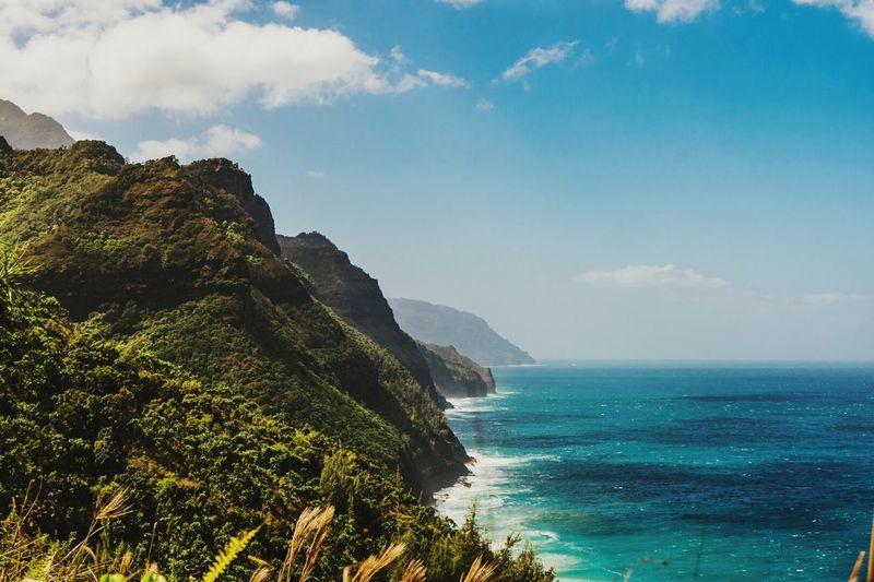 Sea Travel Destinations Scenics Landscape Beach Mountain Coastline Tourism Beauty Outdoors Arrival People Day Lifeisbeautiful Wildlife & Nature Hawaii Life Kauai Hawaii Tropical Climate Beauty In Nature Waterfall JurrasicWorld Horizon Over Water KalalauTrail Kalalau Lookout Ocean View