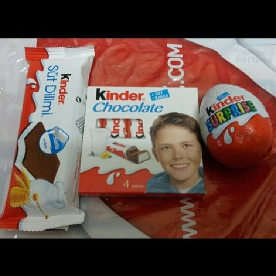 Kinder'e boğuldum ^-^ Kindersurprise Kindersutdilimi Kinderchocolate