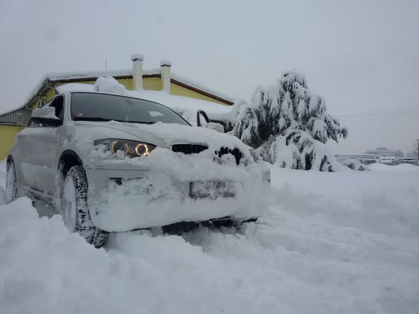 Good Morningmy Workingplace😃 Its Cold Outside Snow Bmwx6 Bmw From My Point Of View Taking Photos Hello World EyeEm Best Shots EyeEmBestPics Snow Day Snow ❄ Drive Check This Out Eyemphotography Wintertime Winter