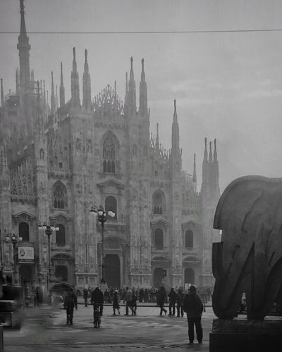 Gloomy day in Milan | #ShotOniPhone6S with #Blackieapp | editing Snapseed app | Youmobile Shootermag ShotoniPhone6s Blackandwhite Wearegrryo Gloomy