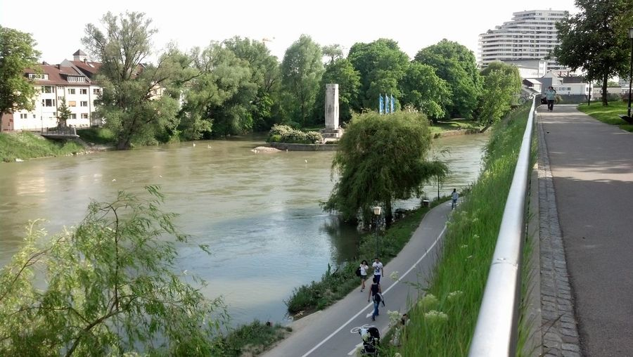 It's muuuthafuckin friday!:D River Chillin Donau Helloworld