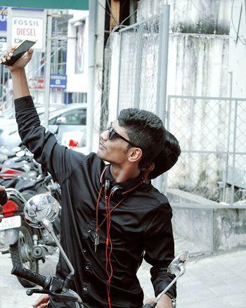 But first let me take a selfie!😉 Nikond3000 Nikonphotography Hangouts  Bike Royalenfield Model Pose Tagsforlikes Peace