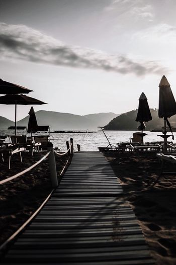 Lerici Sky Water Sea Nature Cloud - Sky Pier Transportation Beach Real People Day Group Of People Silhouette Nautical Vessel Outdoors Land Leisure Activity Lifestyles Beauty In Nature