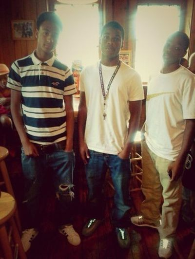 At Hooters W/ My Cousins For Nate Bday ! #RIP...