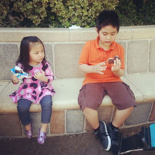 Ice cream break to recharge Disneyland Littletourists
