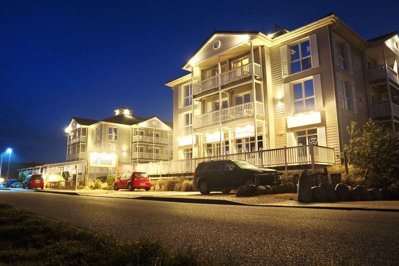 Building Exterior Architecture Built Structure Building Illuminated Night City
