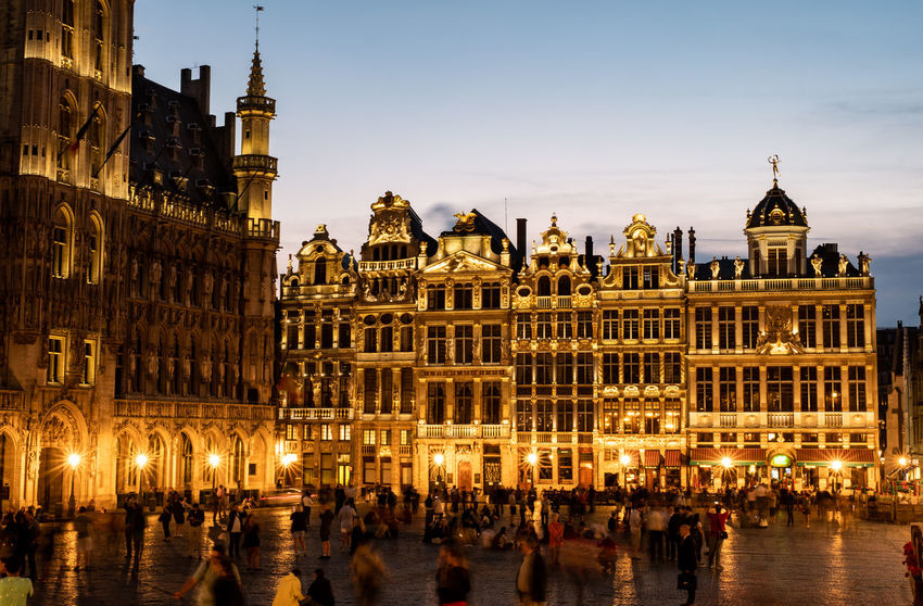 La Grand Place in Brussel at night time. Brussels Night Lights Nightphotography The Grand Place Tourist Attraction  Architecture Building Building Exterior Built Structure City Crowd Government Group Of People History Illuminated La Grand Place Large Group Of People Night Outdoors Real People Sky The Past Tourism Travel Travel Destinations