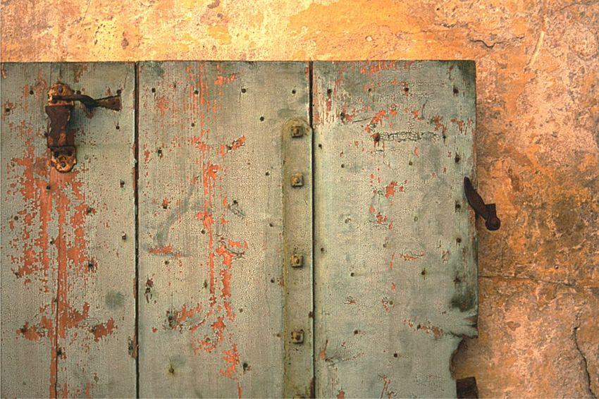 Door Wood - Material Rusty TBT  France🇫🇷 Porte Positive Film Orange Color Antique Door Vielle Ville 古い建物