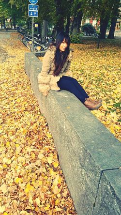Aoutmn Beautiful That's Me Crazy Girl Beautiful Day Autumn In The Park