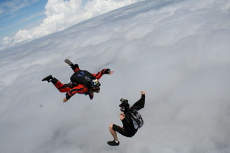 Adventure Courage Extreme Sports Flying Mid-air Outdoors RISK Sky Skydiving