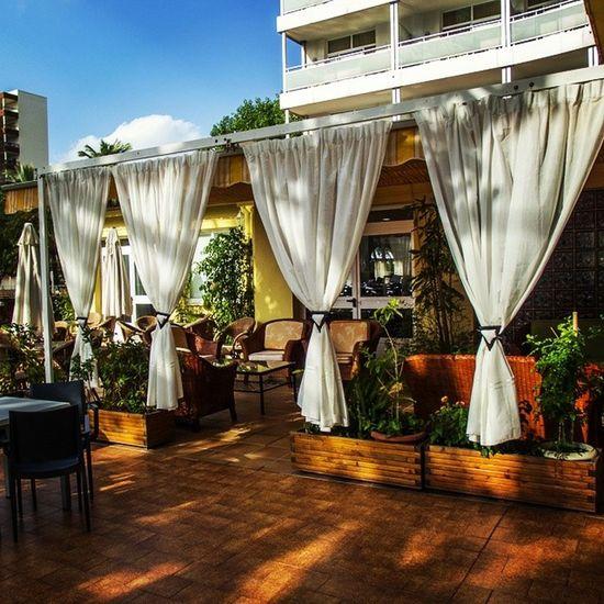 Terraza Chill Out en el Hoteltresanclas de la Playa de Gandia Hotel3anclas Gandiabeach