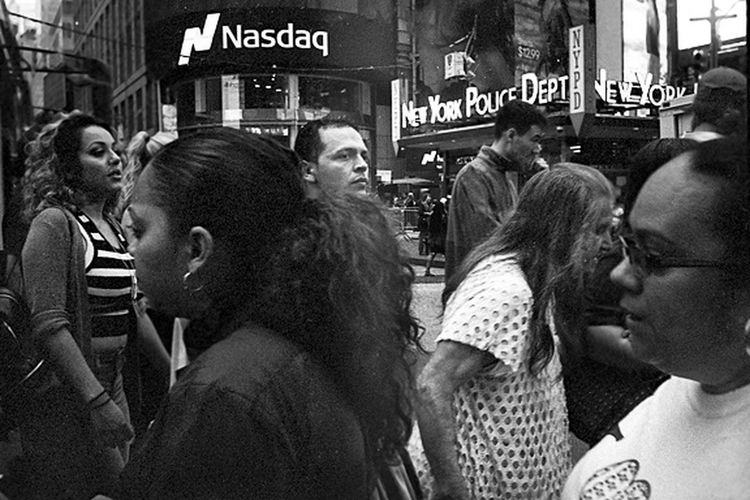 People Crowd Outdoors City Urbanphotography Photojournalism Documentaryphotography Urban Landscape NYC Streetphotography Black And White Photography Black & White Kodak Tri-X 400