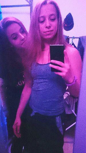 Friendship. ♡   Besthomie  Loveyou♥ Beautiful ♥ Only Women Young Women ✨✨ Two People Smiling Homie💋 Beauty Girl Best  Photoshoot GirlsJustWannaHaveFun Friends ❤ Highendpeople Freepeople YoungPeople 😍😌😊