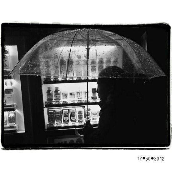 25 Million Vendomachines in this; City you have to walk into mine.   Shinjuku Tokyo Street   bw blackandwhite bnw sgs3 samsung galaxyS3 umbrella streetphotography streetphoto   @abioj