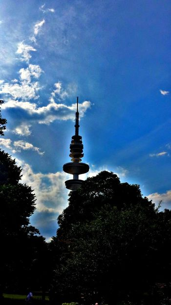Architecture_collection Hamburg Heinrich Hertz Turm Tower Germany Blue Sky Clouds Skylovers Nature_collection Follow4follow Followme Eye4photography  EyeEm Nature Lover Naturelovers Fernsehturm Hamburgmeineperle HAMBURG ... Moin Moin Naturephotography Toptags EyeEm Best Shots - Architecture Architecture Travel Destinations Cloud - Sky Built Structure Sky Travel Tourism Building Exterior Tree City