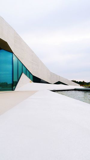 Architecture Architectural Detail Architecture_collection Pattern, Texture, Shape And Form Built Structure Sky Architecture Day Water No People Outdoors Direction White Color Building Exterior