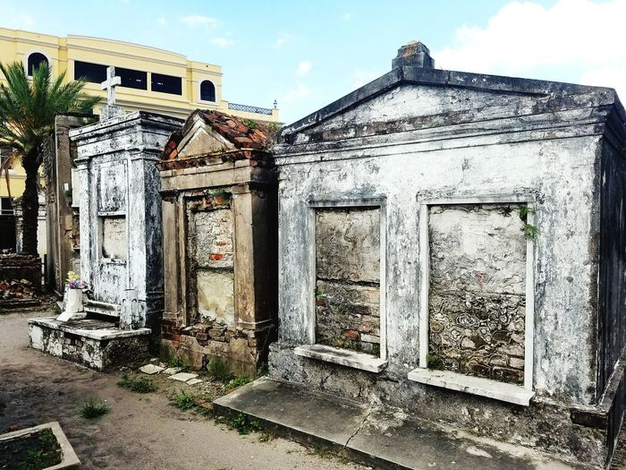 Architecture Built Structure Building Exterior No People Day Sky Outdoors New Orleans Cemetery Cemetery Photography Cemeteryscape Cemetary Shots Tombstone Tombstones Cemetery Tour Ten Foot Pole