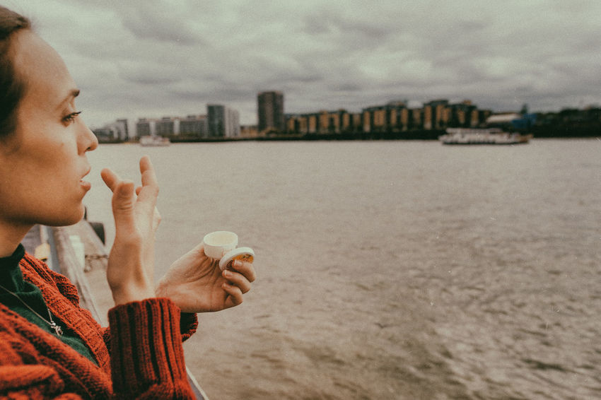 Isle Of Dogs. London London Boat Leisure Activity Lifestyles One Person Outdoors Profile View Real People Side View Travel Destinations Water #urbanana: The Urban Playground