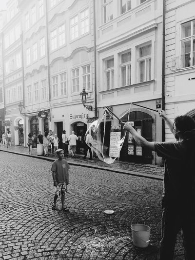 B&w Street Photography Boy Man Bubbles Fly Soap Bubble Traveling Prague Praha