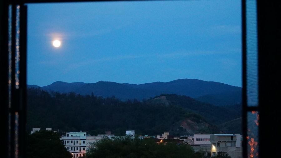 Que Lua....
