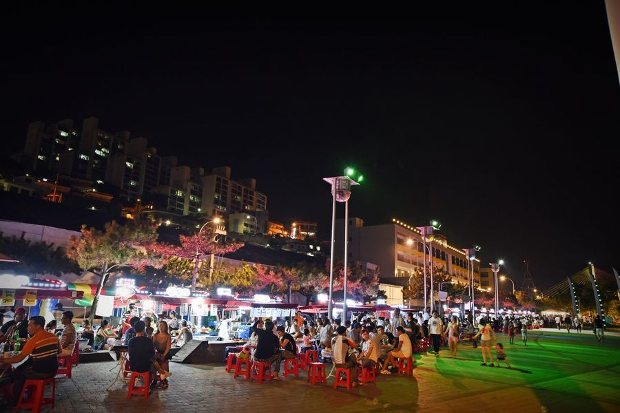 """exciting summer night. many food, liquor, and we are happy talk time."" 😉 Summer Vacations Summer Nights❤❤❤ Food Truck City Life Large Group Of People Leisure Activity Lifestyles Lighting Equipment Night Outdoors Tourism Travel Destinations Nikon D750 Collection EyeEm Korea Korea Summer Vacation Sea Side Road Beach Night Life in Yeosu-si South Korea🇰🇷"