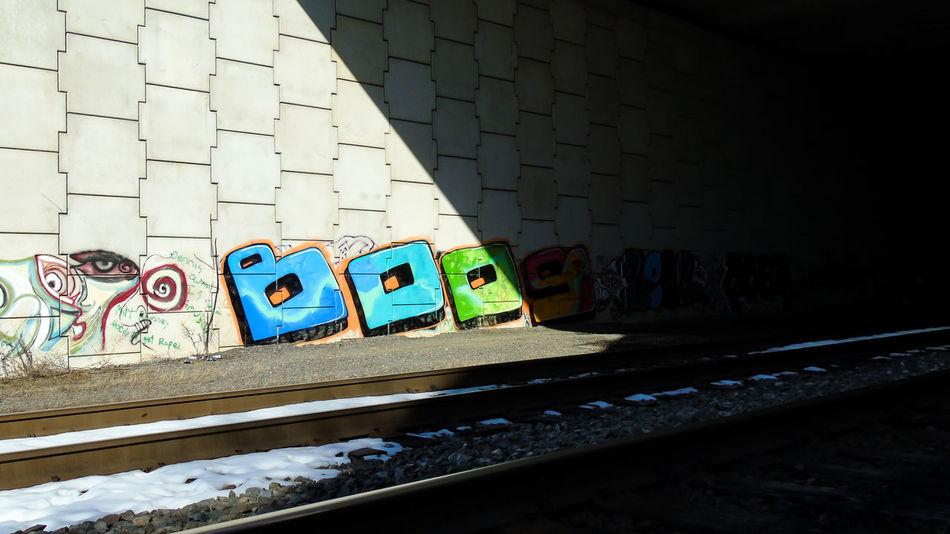 Street Art/Graffiti Graffiti Art Graffiti Wall Graffitiart Contrast Shadows & Lights Shadow Train Tracks Snow ❄ Spraypaint Spraypaint Art Spray Can Art