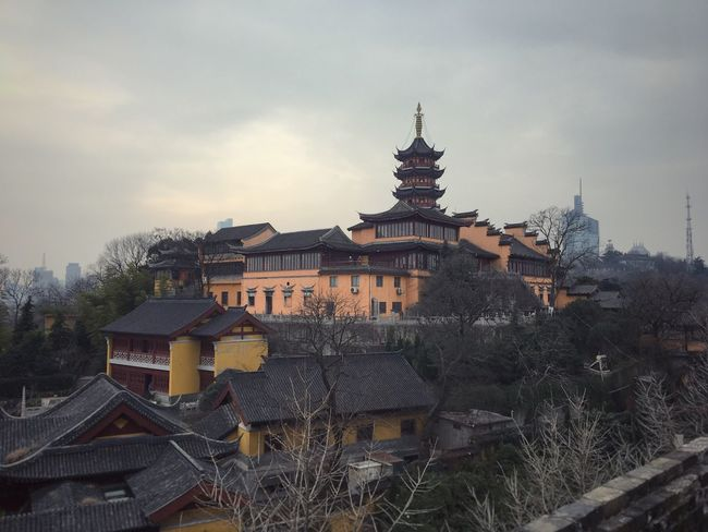 Architecture Temples Temple - Building Building Exterior Temple Architecture 渐霜风凄紧 关河冷落 残照当楼
