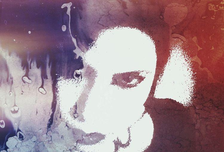 Chi non sa popolare la propria solitudine, nemmeno sa esser solo in mezzo alla folla affaccendata. (Baudelaire) Dark Art Dark Edit Vampires And Werewolves Vampire Darkness Goth Open Edit Dark Portrait Selfportrait Self Portrait Solitude MeMyself&I Darkart NEM Self Color Portrait OpenEdit Baudelaire