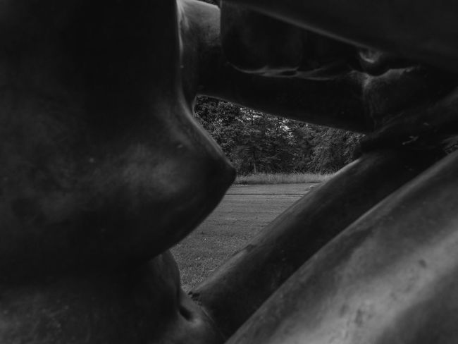 Beautiful Blackandwhite Bronze Sculpture Bronze Statue Close-up Cropped Day Detail DeteriorationFemale Model Focus On Foreground Hemmingen Nice View Part Of Selective Focus Statue Home Is Where The Art Is Lovely Little Sculpture