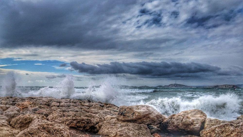 Sea Beach Wave Nature Beauty In Nature No People Cloud - Sky Outdoors Water Sky Day Storm Cloud Vague Marseillerebelle Tempête