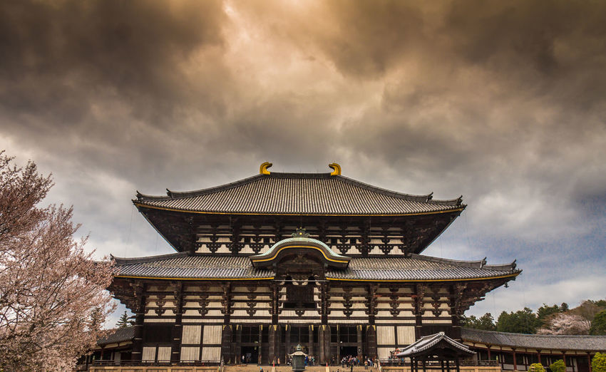Main Temple of Nara Japan Nara Nara,Japan Temple Nara Temple Architecture Built Structure Cloud - Sky Building Exterior Sky Nature Roof Building Travel Destinations Belief Religion History The Past No People Tree Low Angle View Place Of Worship Outdoors Eaves