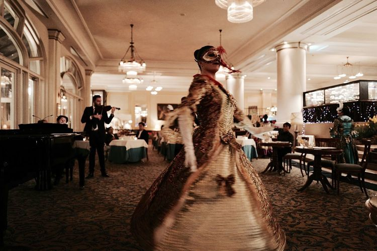 Music Brings Us Together II : Hotel Europa , Rambling with a Leica Q. Anchors Lounge Hungarian Ensemble Night Concert Waltz Dancing same position another shot. Capture The Moment 28mm Selective Focus Adults Only Elégance Evening Gown Indoors  HUISTENBOSCH Sasebo City Nagasaki prefecture Snap a Stranger. March 2017