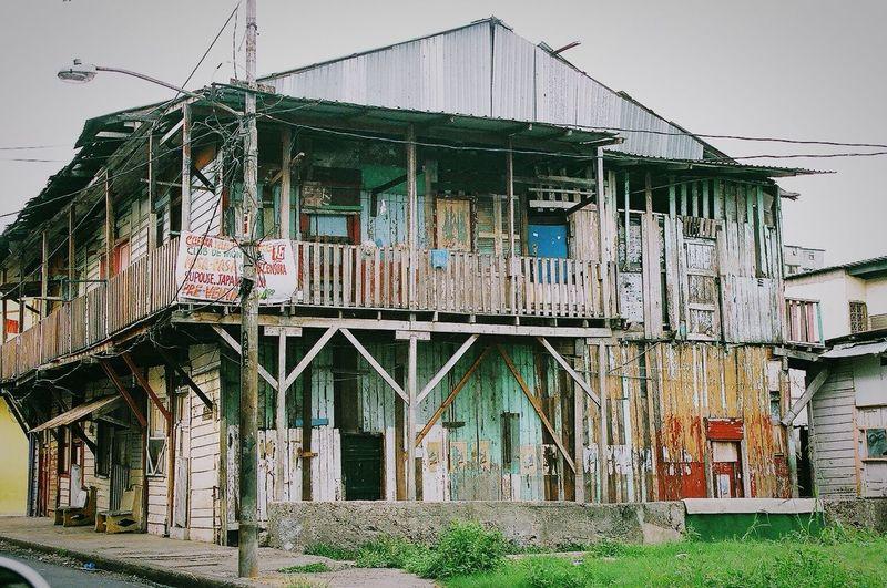 Casa pobre, casa grande Beautiful Surroundings Captured Moment Panamá Ghetto Colors Streetart