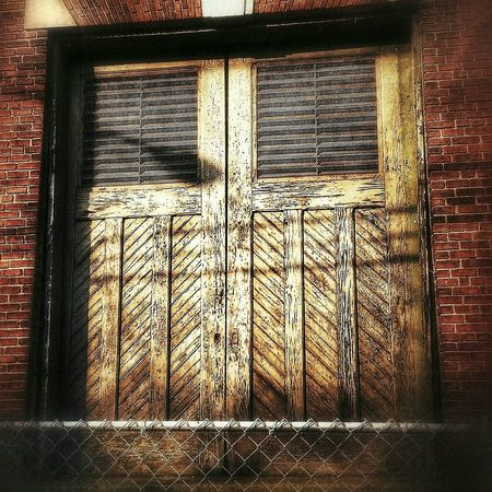 When Darkness Falls... Doorporn AMPt - Abandon Abandoned Buildings Light And Shadow