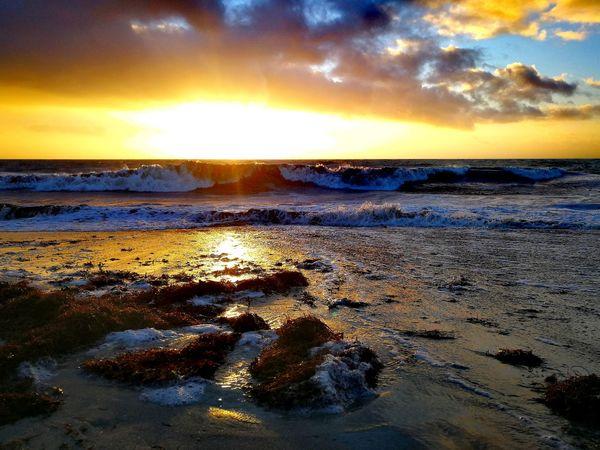 Huaweiphotography Huawei Ocean Bretagne Sunlight Sunset Orange Color Outdoors Huaweiphotography Bretagne Breizh Coucher De Soleil Tempête Carmen Nature Beauty In Nature Sky Cloud - Sky Beach Tranquility Horizon Over Water