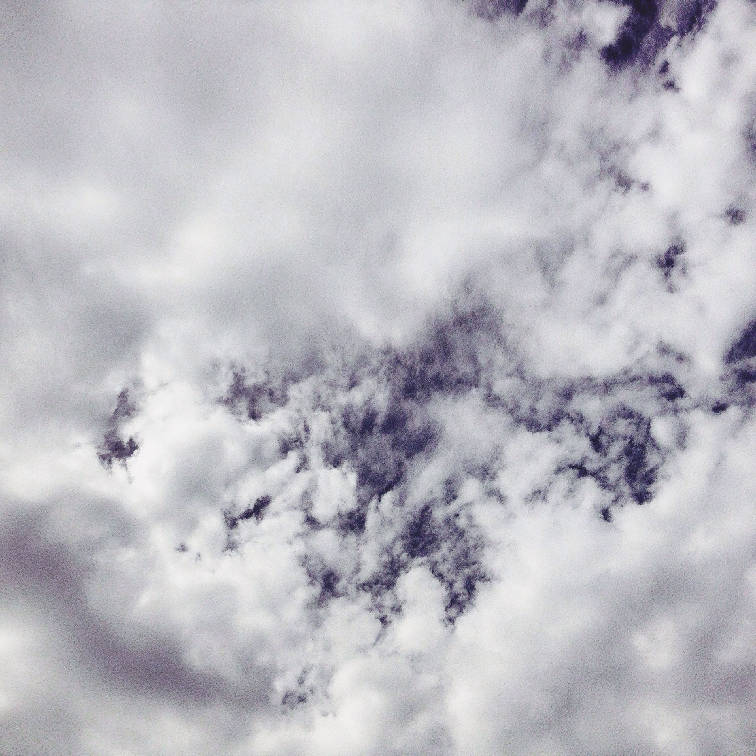 cloud - sky, sky, low angle view, cloudy, weather, nature, cloudscape, beauty in nature, cloud, tranquility, overcast, backgrounds, full frame, scenics, sky only, day, outdoors, tranquil scene, no people, white color