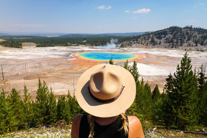 Yellowstone national park grand prismatic spring Hat Real People Rear View Vacations Water Nature Sun Hat Weekend Activities Scenics Beauty In Nature Yellowstone National Park Yellowstone Grand Prismatic Spring Hot Spring Colors Of Nature Autumn Travel Destinations Road Trip ♥ Wyoming Fresh On Market 2017