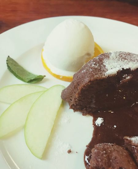 Food And Drink Food Freshness Sweet Food Sweet Ready-to-eat Plate Chocolate No People
