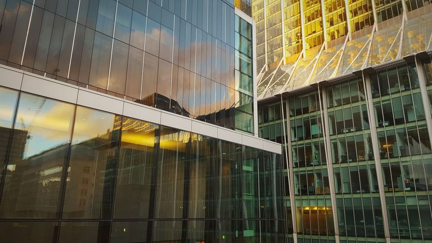 London Barbican Architecture Dusk Golden Hour Sunset Autumn November Leading Lines Urban Geometry