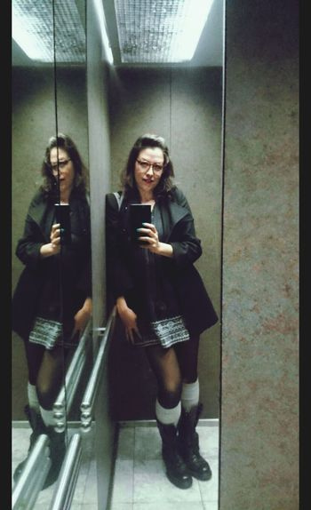 Good day for these boots. Chihuahua, Mexico At Work Feeling Good Today's Shoot Elevator Selfie Today's Look Mirror