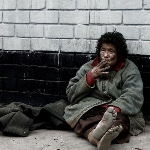 Photographer Cigarret Woman Grandmother poor city