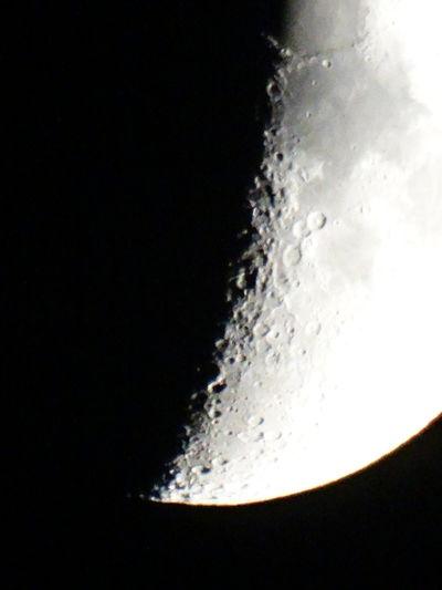 Black Background Studio Shot Exploding No People Motion Close-up Day Mond Nachtfotografie Nachtaufnahme Planetary Moon Moon Moon Shots Moonphotography Einfach Nur Rumprobieren Einfach So Nachts Dark Photography Darkness