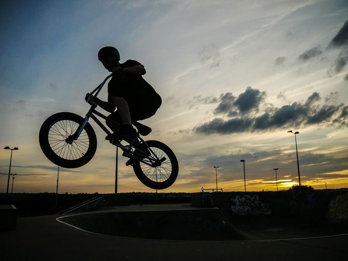 And... Freeze! Silhouette Sport Stunt RISK Danger Bicycle Headwear Sports Helmet One Man Only Extreme Sports Skill  People Sports Ramp One Person Leisure Activity Activity Flight Ibelieveicanfly Ibelieveicantouchthesky Bmxlife Urban Skyline Urban Landscape Second Acts Ramp Biker Summer Exploratorium
