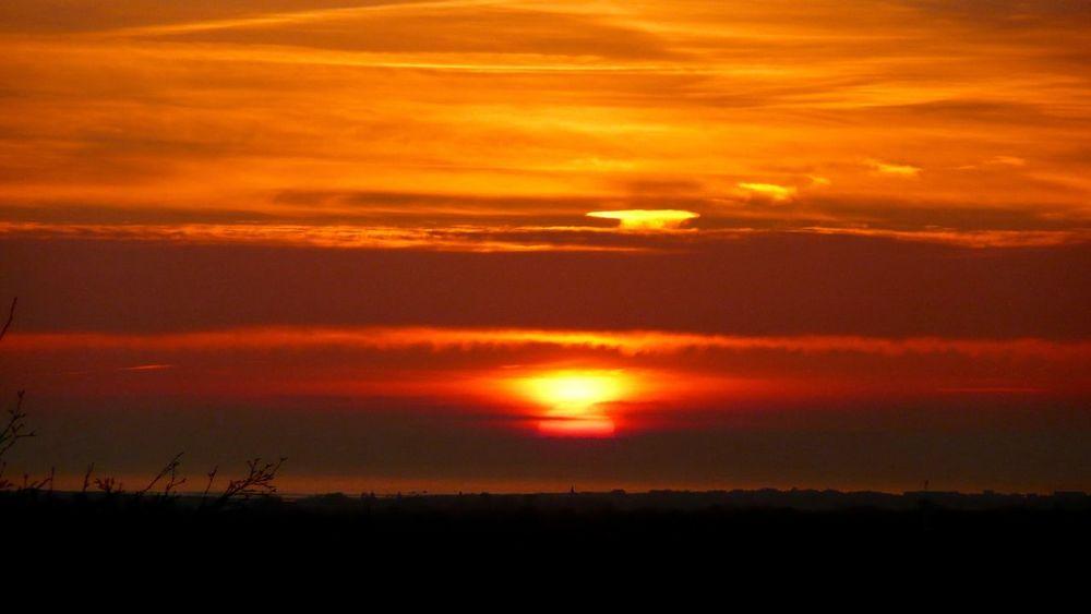 Beautiful Sunset - Sunset - Landscapes - Creative Light And Shadow - Light & Dark - EyeEm Landscape - Fine Art Photography - Red - Eye4photography
