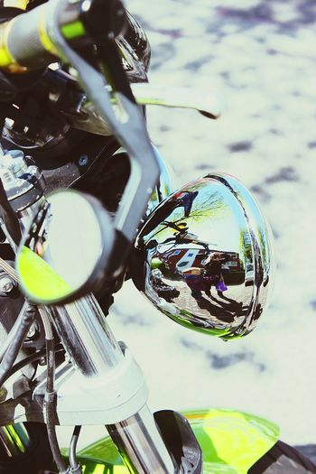 Motorcycle Outdoors Day Close-up Grün Green Green Green!  Entspiegelung Mirrorselfie Mirror Effect Mirrorshot Spiegelbild Spiegelfoto Metallic Metal Things Let's Go. Together. Breathing Space Investing In Quality Of Life The Week On EyeEm Mix Yourself A Good Time Second Acts Rethink Things Colour Your Horizn