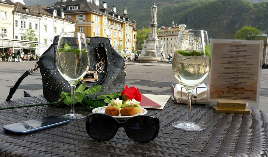 Springtime Relaxing Flower City Square Bolzano - Bozen Walther Platz Sunglasses Beuatiful❤ Bag Day Sehenswürdigkeit