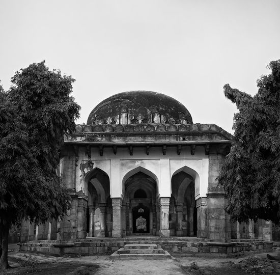 This image is part of my ongoing project covering the last resting places of Delhi Sultanate. Delhi Sultanate Delhi Sultanate Monochrome Travel City Dome Arch Architecture Sky Tomb Historic Archaeology Ancient Rome History Mausoleum Civilization Ancient Old Ruin