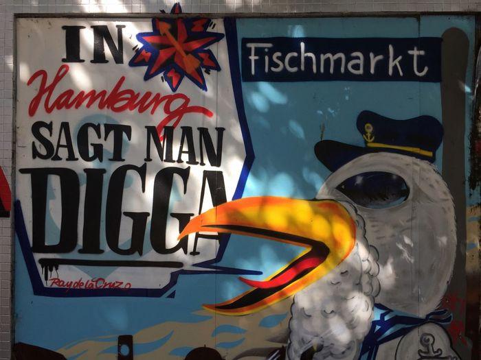 Ray De La Cruz Graffiti Reeperbahn  HAMBURG ... Moin Moin Text Communication No People Day Close-up Outdoors In Hamburg Sagt Man Digger Digger Hamburg Derbe Graffiti Art Graffiti Wall Sunlight